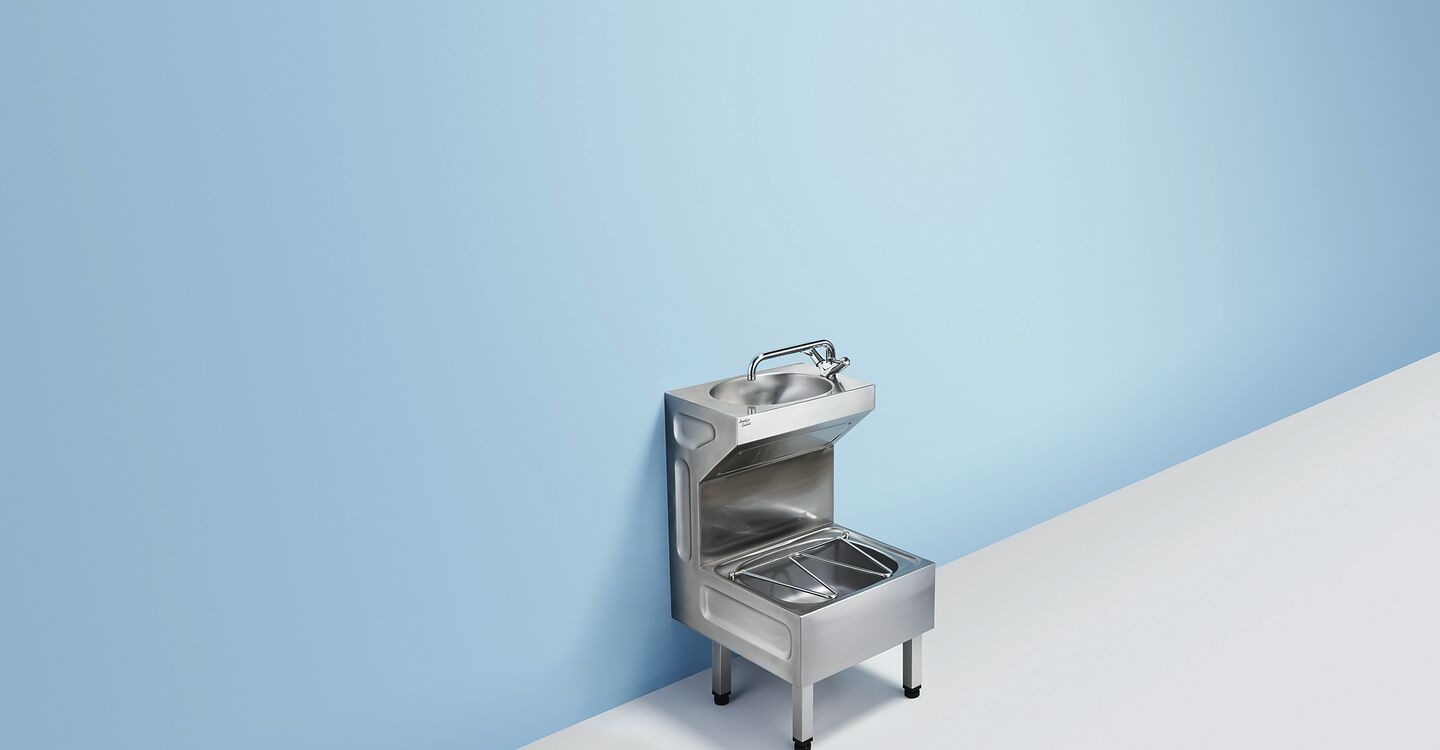 Janitorial unit with bucket grating
